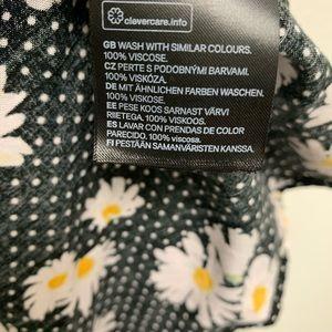 H&M Dresses - H&M Divided sunflower dress black polka dot